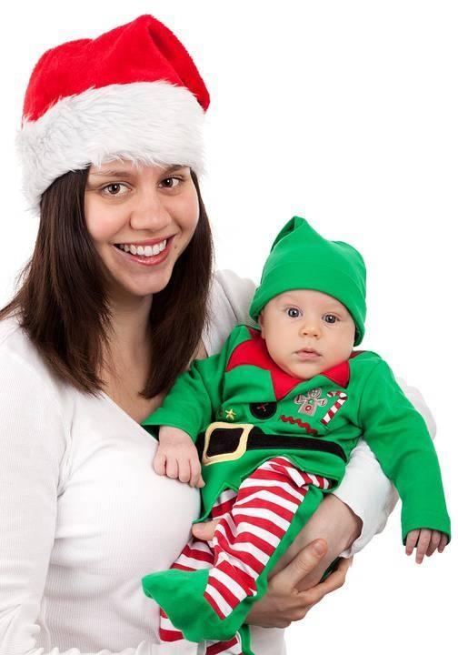 婴儿三个月能竖着抱吗抱宝宝要注意什么