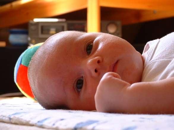 三个月婴儿58厘米正常吗三个月宝宝发育指标