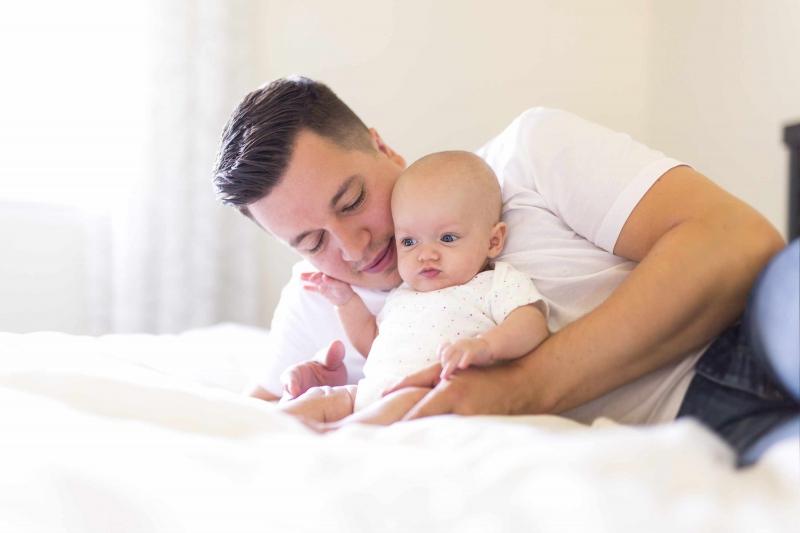 详解怎样判断婴儿是否驼背孩子驼背该如何纠正
