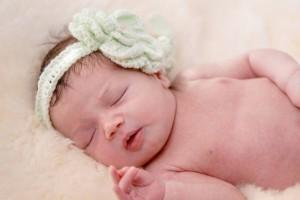 哺乳期烫头发对宝宝有什么影响哺乳期可以烫头发吗